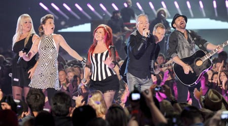 Sugarland & the B-52s perform at the CMT Music Awards. Photo: John Russell