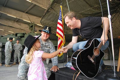 Steve Wariner pictured during a recent visit to Rose Barracks Army Post in Vilseck, Germany, where he performed for American troops.