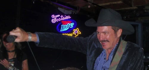 Last night, Kix Brooks (of Brooks & Dunn fame) dropped into country music's legendary honky-tonk, Tootsie's Orchid Lounge on Lower Broadway in Nashville, where he surprised patrons with impromptu performances on both the front and back stages.
