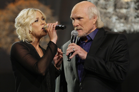Rachel Bradshaw Performs Duet With Famed Dad Musicrow