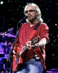 Barry Gibb Set For Opry Debut