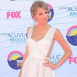 Swift Scores Five Teen Choice Awards