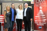 """""""CMA Country Christmas"""" Spreads Holiday Cheer"""