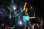 Paisley Wraps U.S. Tour, Heads Overseas