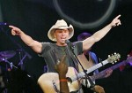 Chesney to Rock Cowboys Stadium For Salvation Army