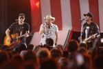 Aldean Continues Stadium Sell Outs, Releases New Single