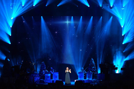 Martina McBride on stage at the Chicago Theatre. Photo: RKN Photo