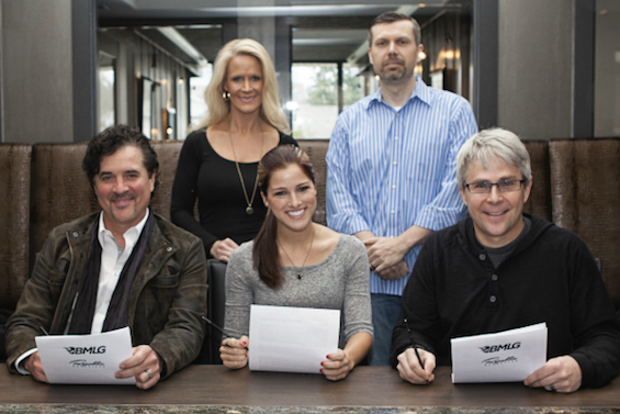 (L-R): Front Row – Big Machine Label Group President/CEO Scott Borchetta, Cassadee Pope, Republic Nashville President/BMLG EVP Jimmy Harnen;Back Row – BMLG, VP of A&R Allison Jones and BMLG General Manager Andrew Kautz (Photo Credit: Amy Fucci)