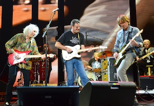Pictured (L-R): Albert Lee, Vince Gill, Keith Urban