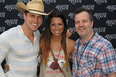 Dustin Lynch recently visited with WWKA/Orlando's Ashley with Broken Bow's Scotty O'Brien. Pictured (L-R): Dustin Lynch, Ashley (AJ and Ashley), Scotty O'Brien