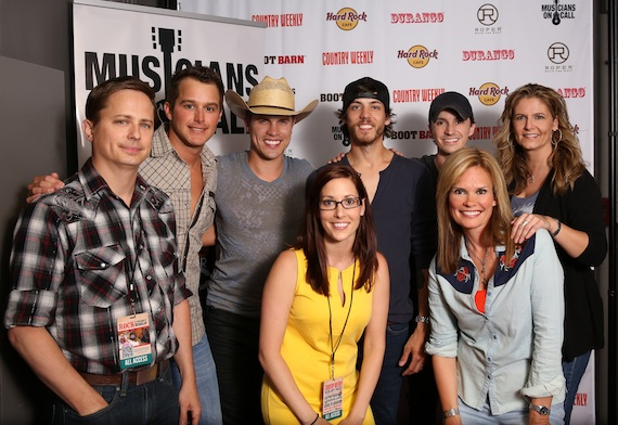 Pictured (L-R): Country Weekly's Jeff Meltesen, Easton Corbin, Dustin Lynch, MOC's Katy Epley, Chris Janson, Greg Bates, GAC's Suzanne Alexander, Country Weekly's Lisa Konicki.Photo Credit: Kendra Motycka