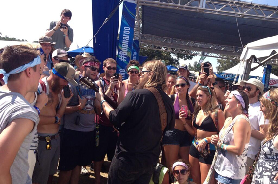 Chris Stapleton playing an encore after his Saturday performance.