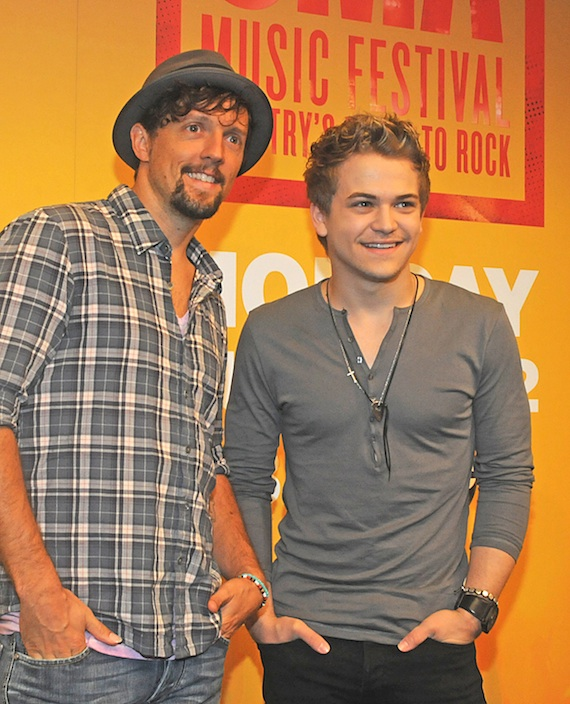 Hunter Hayes and Jason Mraz CMA Music Fest