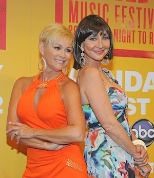Pictured (L-R): Grits & Glamour: Lorrie Morgan and Pam Tillis