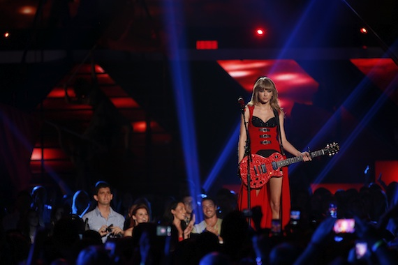 """Taylor Swift performs """"Red."""""""