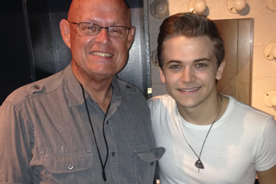 "Atlantic/WMN star Hunter Hayes (R) recently visited with WCYQ's Mike Hammond (L) in Knoxville for his Let's Be Crazy Tour kickoff. Hayes' latest single ""Everybody's Got Somebody But Me,"" featuring Jason Mraz, lands at our No. 27 spot this week."