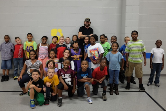 Ronnie Dunn visits Boys & Girls Club of Bowling Green, Ky. Photo: Kyle Gustie