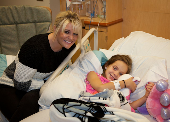 Lauren Alaina visits a patient at Monroe Carell Jr. Children's Hospital. Photo Credit: Angelynn Tinsley, Edwards Photography