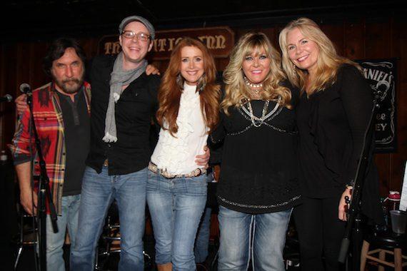 Stephanie Bentley, Josh Leo, Jamie O'Neal, O'Shea (Jay O'Shea, Mark O'Shea) at Station Inn.