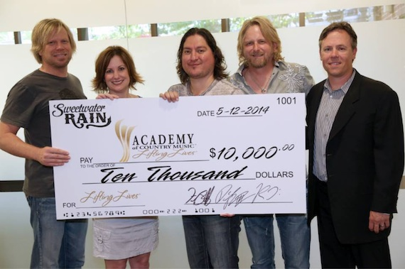 Pictured (L-R): Fred Stallcup, ACM Lifting Lives President Lori Badgett, Danny Rivera, Thomas Hewlett, Curb Records VP of Marketing, Jeff Tuerff. Photo: Randi Radcliff/Courtesy of ACM Lifting Lives®