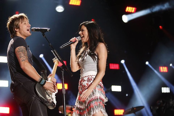 Keith Urban and Karen Fairchild at LP Field Saturday night. Photo: CMA