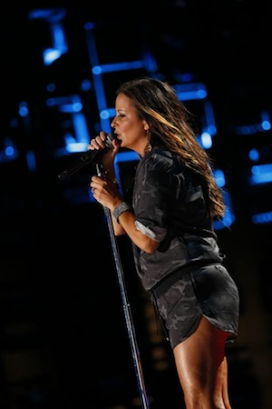 Sara Evans plays LP Field. Photo: CMA