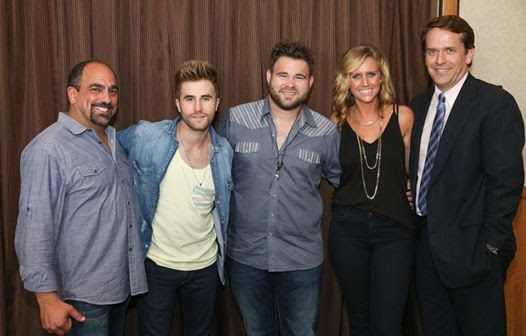 Pictured (L-R): Paul Barnabee, Sony Music Nashville; Colton Swon; Zach Swon; Hannah Martin, Manager, ACM Lifting Lives; Rondal Richardson, Entertainment Industry Relations Manager at Vanderbilt University.