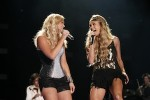 Underwood, Lambert Added to 'CMA Music Festival: Country's Night To Rock'