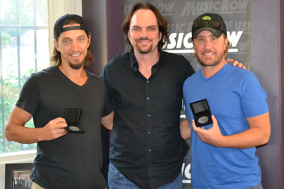 Pictured (L-R): Songwriter Brad Warren,  MusicRow's Sherod Robertson,  and songwriter Lance Miller
