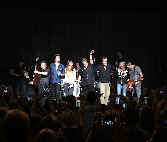 Rascal Flatts with Sheryl Crow and Gloriana. Photo: Zach Henderson