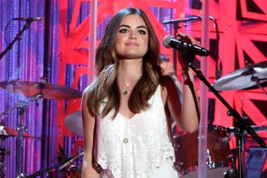 Lucy hale performs lie a little better on the ellen degeneres