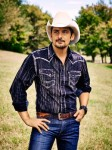 Brad Paisley, Boot Barn Launch Clothing Collection