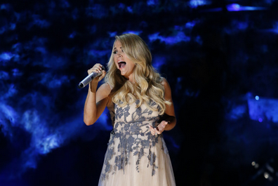 Carrie underwood on cma awards