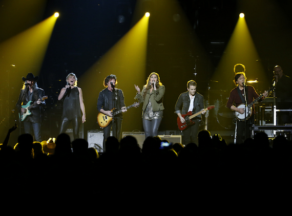 The Doobie Brothers were joined by Jennifer Nettles, Hillary Scott and Hunter Hayes on the CMA Awards