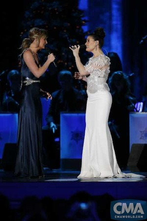 """Jennifer Nettles (l) and Idina Menzel perform during """"CMA Country Christmas"""" airing Monday, Dec. 1 on the ABC Television Network. Photo: John Russell / CMA"""