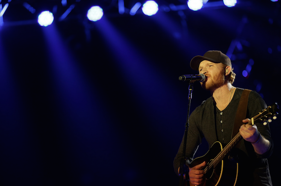 Eric Paslay performs at the CRS New Faces Showcase. Photo: AristoPR