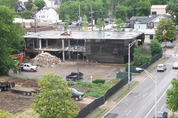 (May 27, 2015) Demolition on 17th Ave. on Music Row (54, 56, 58, 60, 62 and 64 Music Sq. W.).
