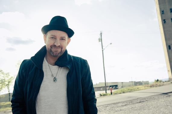 Kristian Bush wins Disc of the Day.