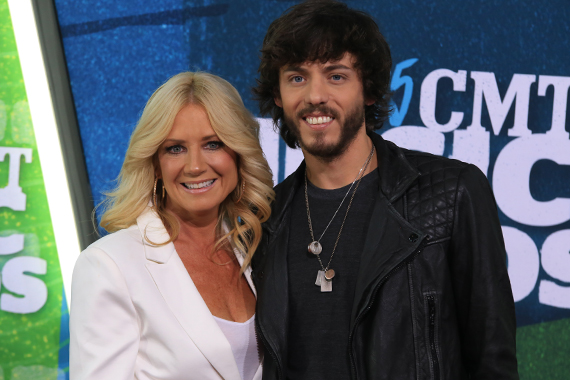 Pictured (L-R) Kelly Lynn Janson, Chris Janson. Photo: Bev Moser.