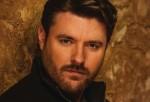 DisClaimer: Chris Young On Edge of Superstardom With Spicy New Song