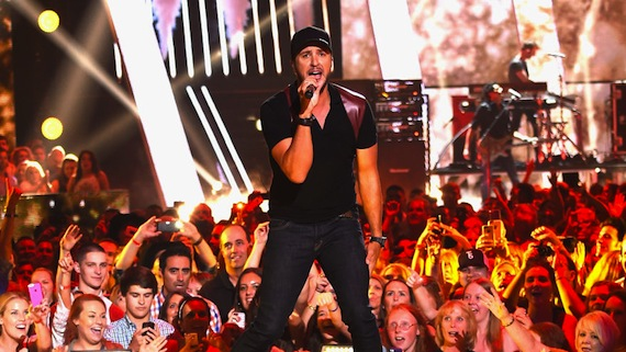 Luke Bryan performs on the CMT Music Awards. Photo: CMT.com