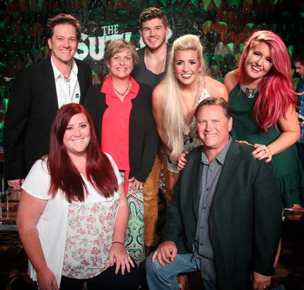 Pictured (L to R): Back Row – Gregory Scott, The Kinkead Entertainment Agency; Julie Devereux, The Kinkead Entertainment Agency; Logan Cain; Taylor Cain; Madison Cain.  Front Row – Paige Zuidema, The Kinkead Entertainment Agency; Bob Kinkead, The Kinkead Entertainment Agency
