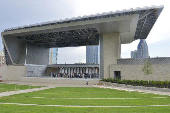 Riverfront Park and Ascend Amphitheater. Photo: Metro Photographic Services.