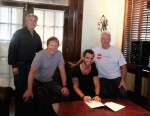 Jay Allen Signs With MV2