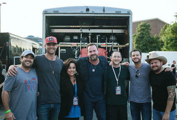Pictured (L-R): Enzo DeVincenzo, Red Light/377 Management; Brett Young, Artist, Universal Republic;  Risha Rodgers, William Morris Entertainment; Lee Brice; Ed Warm, Windy City Smokeout;  Wade Bowen and Randy Rogers. Photo: Chase Lauer, The Lookout Collective