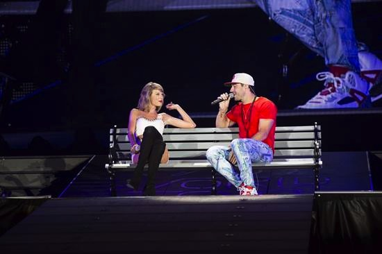 "Sam Hunt surprised over 55,000 Taylor Swift concert-goers at last night's sold out Soldier Field in Chicago. Before joiningHunt on his Platinum-selling, No. 1 smash hit, ""Take Your Time."" Photo: TAS Rights Management"