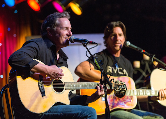 Jim Collins (l) and Brett James perform during the CMA Songwriters Series Thursday night at Joe's Bar in Chicago. Photo Credit: Justin Harris / CMA