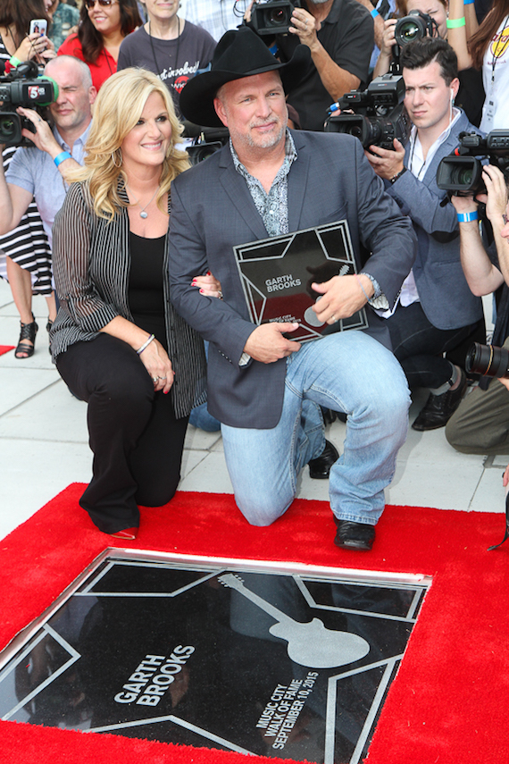 Garth and Trisha on the Music City Walk of Fame. Photo: Bev Moser/Moments by Moser