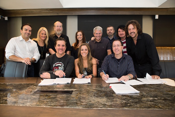 Pictured (L-R): Back Row – Big Machine Music's Mike Molinar, Big Machine Label Group's Allison Jones, Malcolm Mimms, Nicole Dovolis, Jimmy Harnen, Andrew Kautz, Julian Raymond and Colton Law Firm's Doug Colton | Front Row – BMLG's Scott Borchetta, Tara Thompson and Manager Spoon James Williams. Photo: Valory Music Co.