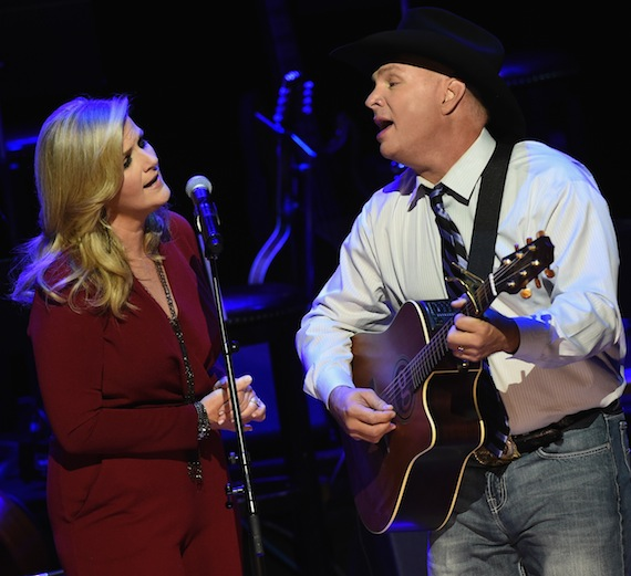 Trisha Yearwood and Garth Brooks. (Photo by Rick Diamond/Getty Images for CMHoF)